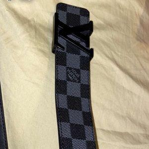 Louis Vuitton black belt size 95/38 Ceinture